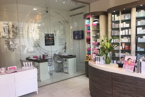 Beauty and Cosmetic Clinic in Palmers Green London